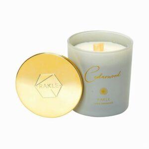 αρωματικο κερι με καπακι γκρι χρυσο cedarwood 210g